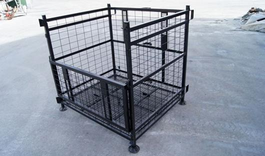 Picture of Reversible Cage Pallets for Wine Bottles sector